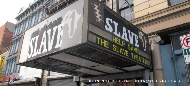 "The ""Headless Negro"" at the Slave Theater ©"